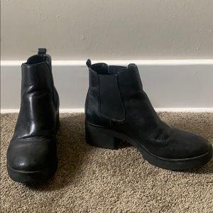 Aldo black ankle booties size 8